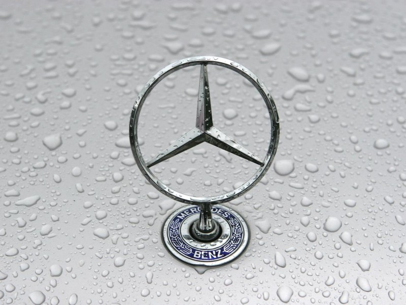 Mercedes-Benz-Logo-High-Definition